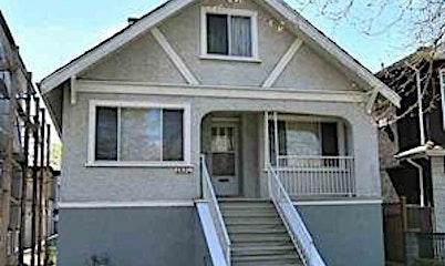2854 Kitchener Street, Vancouver, BC, V5K 3E3