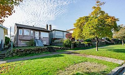 3046 Charles Street, Vancouver, BC, V5K 3B5