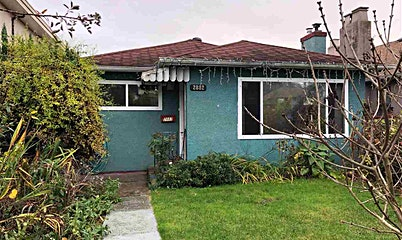 2882 E Broadway Avenue, Vancouver, BC, V5M 1Z1