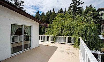 5717 Trail Avenue, Sechelt, BC, V0N 1V0