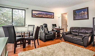 223-2910 E Pender Street, Vancouver, BC, V5K 2C3