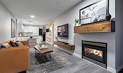 215-332 Lonsdale Avenue, North Vancouver, BC, V7M 3M5