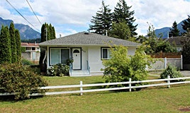 435 Hemlock Avenue, Hope, BC, V0X 1L0