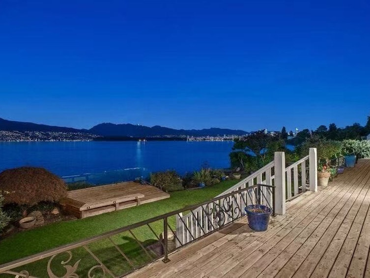 3019 Point Grey Road, Vancouver,BC