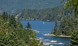 790 Baycrest Drive, North Vancouver, BC, V7G 1N8