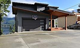 6200 Lookout Avenue, Sechelt, BC, V0N 3A5