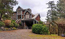 340 Creek Road, Bowen Island, BC, V0N 1G2