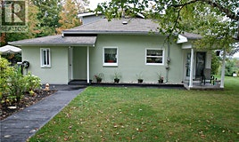 7 West Lafontaine Road, Tiny, ON, L9M 1R3