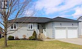 8 Harvey Drive, Springwater, ON, L0L 1P0