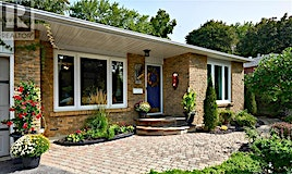 52 Highcroft Road, Barrie, ON, L4N 2X7