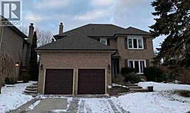 18 Woodlawn Court, Whitby, ON, L1N 6R4