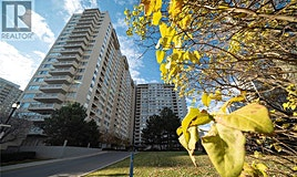 913-3590 Kaneff Crescent, Mississauga, ON, L5A 3X3