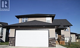 10 Iron Wolf Court, Lacombe, AB, T4L 0E9