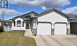 276 Lampard Crescent, Red Deer, AB, T4R 2W5