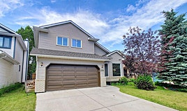 199 Hawkbury Close Northwest, Calgary, AB, T2G 3C9