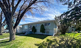 714 45 Street Southwest, Calgary, AB, T3C 2B5