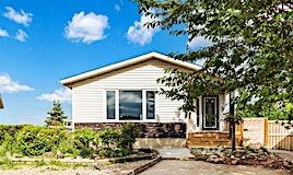 208 Huntstrom Bay Northeast, Calgary, AB, T2K 5W6