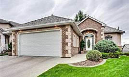 319 Royal Court Northwest, Calgary, AB, T3G 5L3