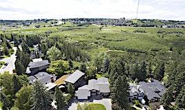 379 Wildwood Drive Southwest, Calgary, AB, T3C 3E4