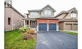18 Stillwater Court, Whitby, ON, L1R 3P5