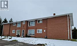 602 Silverbirch Road, Waterloo, ON, N2L 4R5