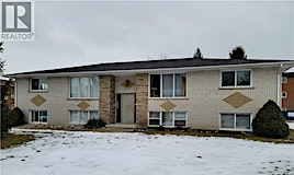 608 Silverbirch Road, Waterloo, ON, N2L 4R5