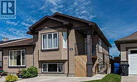 38 North Dorothy Gentleman Crescent, Rural Rocky View County, AB, T1H 5N8