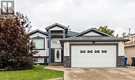 315 North Cougar Way, Lethbridge, AB, T1H 6P8