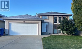 6 Mt. Backus Crescent West, Lethbridge, AB, T1K 6P7