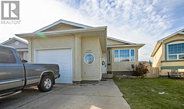 105 Chilcotin Crescent West, Lethbridge, AB, T1K 7T9