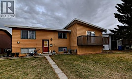 2305 23 Street North, Lethbridge, AB, T1H 4R8