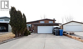 22 Algonquin Bay West, Lethbridge, AB, T1K 5B6