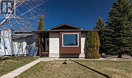 117 Red Crow Boulevard West, Lethbridge, AB, T1K 5N2