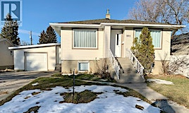 1811 5 Avenue North, Lethbridge, AB, T1H 0N4
