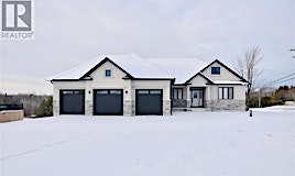 4 Breanna Boulevard, Severn, ON, L3V 6H2