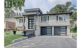 1434 Petrie Way, Mississauga, ON, L5J 1G5