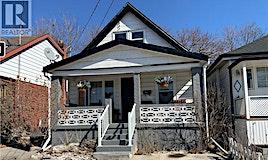 136 Robins Avenue, Hamilton, ON, L8H 4N8