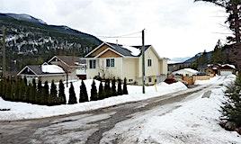 5666 Lynes Road, Falkland, BC, V0E 1W0
