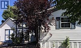1821 2a Crescent 2A, Wainwright, AB, T9W 1N4