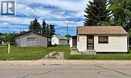706 14st. St., Wainwright, AB, T9W 1E9