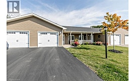 17 Chamberlain Crescent, Penetanguishene, ON, L9M 0A5