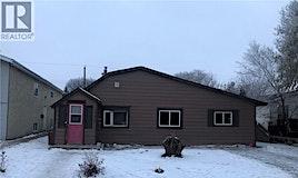 1735 B Avenue N, Saskatoon, SK, S7L 1H4
