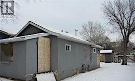 118 S M Avenue, Saskatoon, SK, S7M 2K1