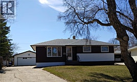 623 Maple Drive, Weyburn, SK, S4H 1A5
