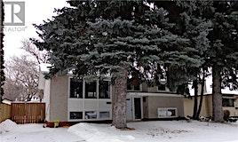 42 Hoeschen Crescent, Saskatoon, SK, S7J 2T1