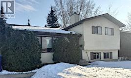 738 Kingsmere Boulevard, Saskatoon, SK, S7J 4G7