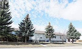 402 4th Avenue W, Assiniboia, SK, S0H 0B0
