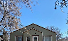 930 N Ave, Saskatoon, SK, S7M 2P4