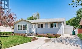 109 Lloyd Crescent, Saskatoon, SK, S7L 4Y8