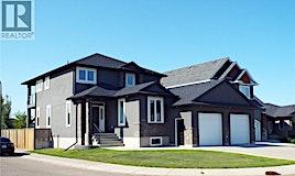 902 Paton By, Saskatoon, SK, S7W 0B9